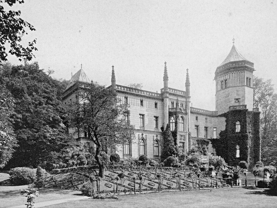 Das Donner-Schloss am Neumühler Elbhang um 1900