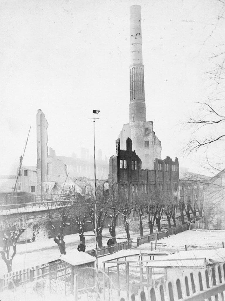 Die Ruine der Hedrich'schen Mühle 1892 (Foto: Familienarchiv Hedrich, Hamburg)