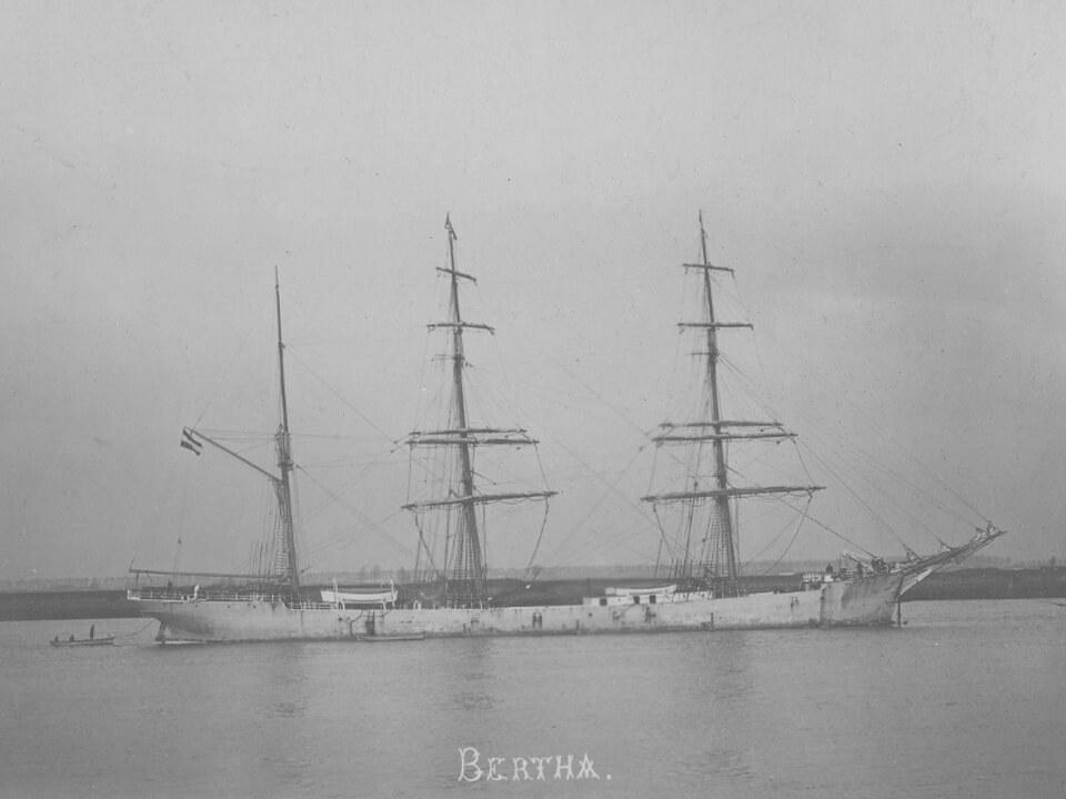 """Hamburger Bark """"Bertha"""", aufgenommen vermutlich 1904 vor Antwerpen"""