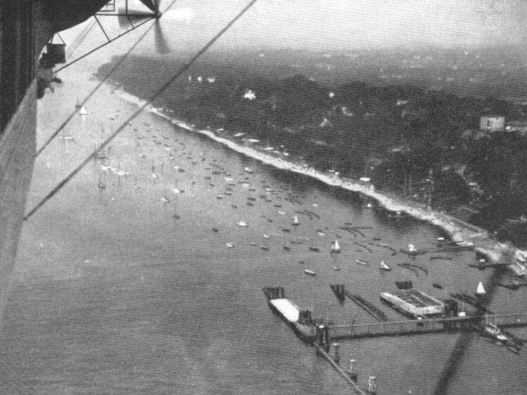 Blick aus dem Zeppelin auf Övelgönne um 1920